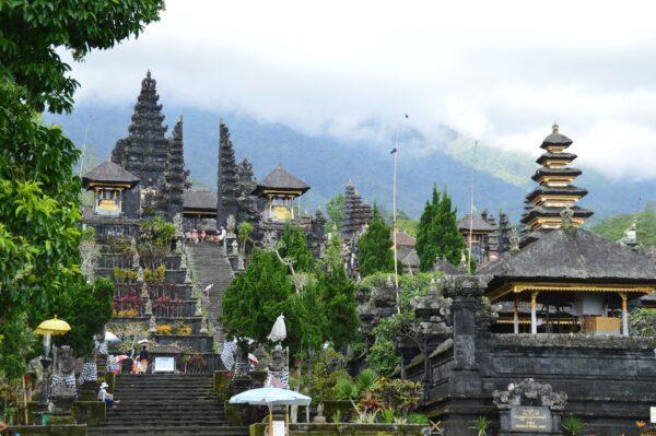 templo besakih